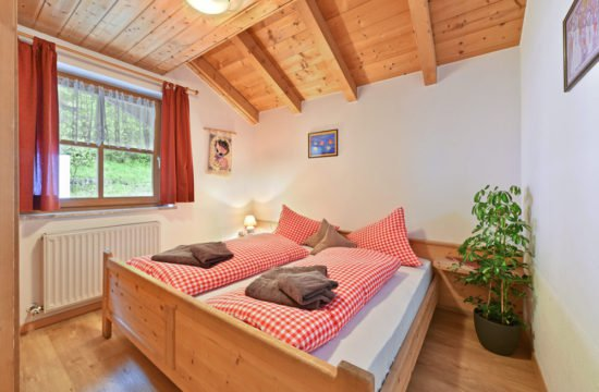 ferienwohnung-ortler-massiv-schlafzimmer2