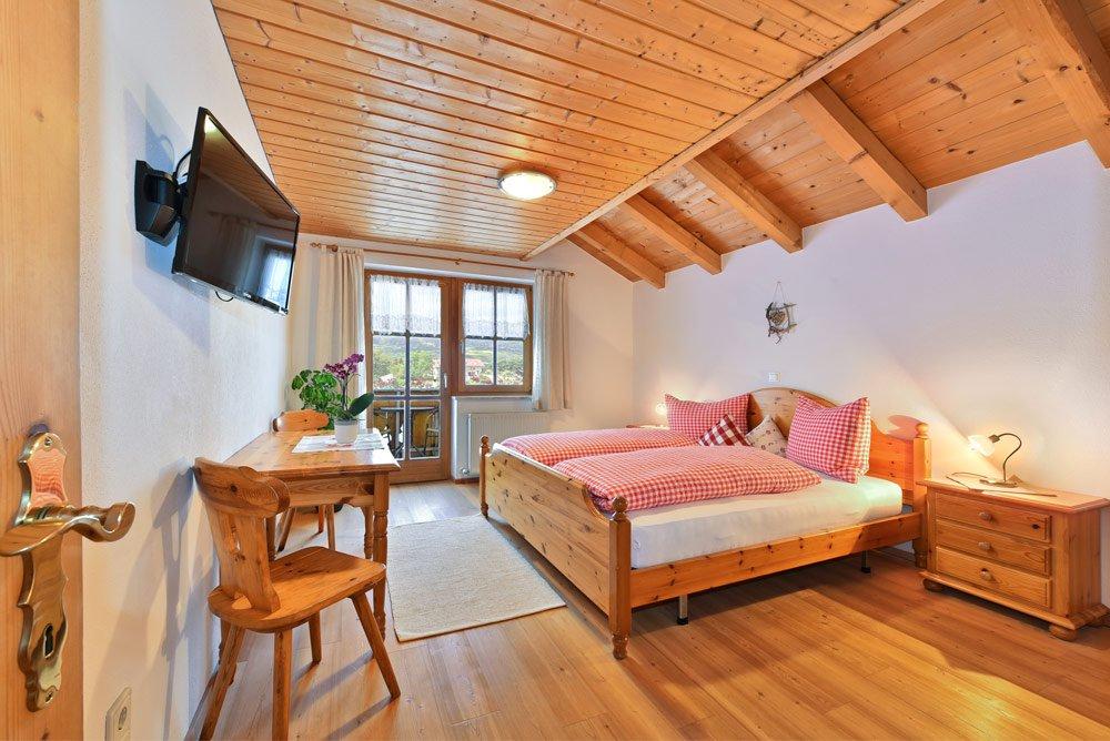 ferienwohnung-bichel-schlafzimmer