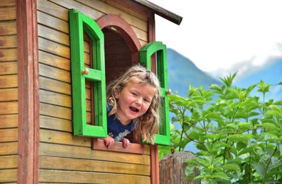 Spielplatz - im Kinderhaus